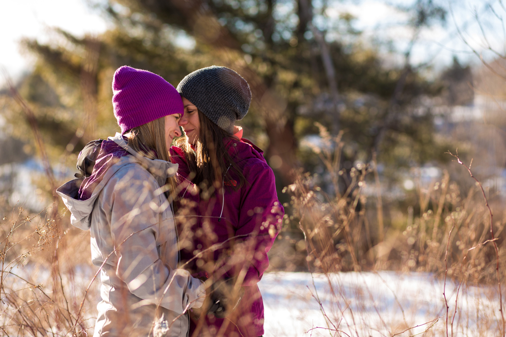 kingston_wedding_photographer_rob_whelan_engagement_winter_portrait_natural_smile