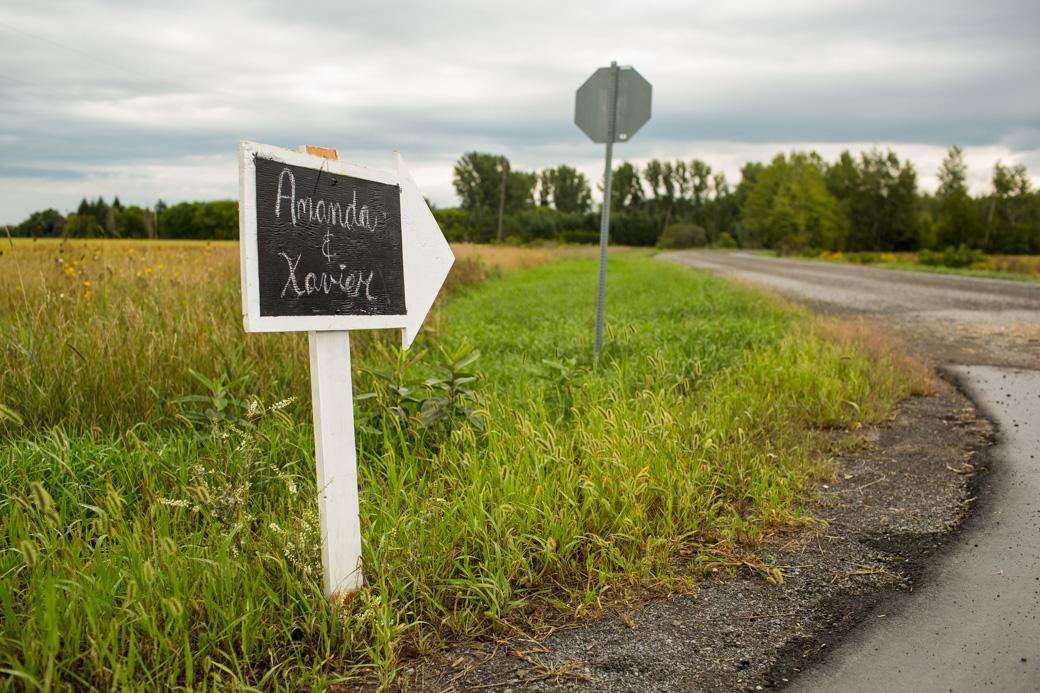berholme_farm_wedding_yow_ottawa_country_barn_candid_photojournalism_rob_whelan-3