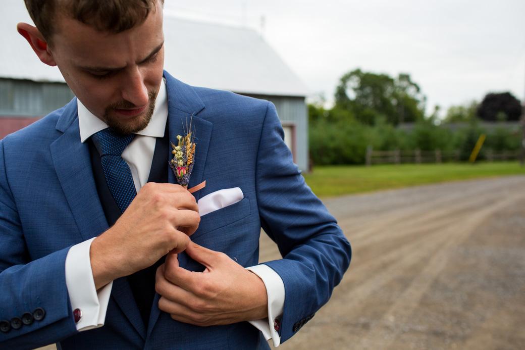 berholme_farm_wedding_yow_ottawa_country_barn_candid_photojournalism_rob_whelan-4