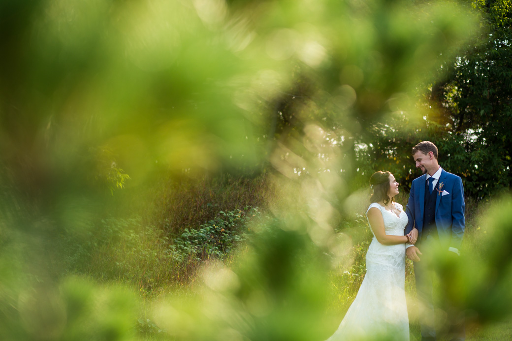 berholme_farm_wedding_yow_ottawa_country_barn_candid_photojournalism_rob_whelan-5