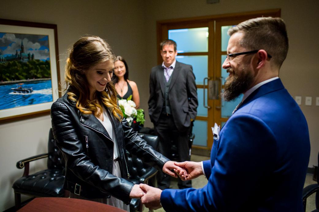 ottawa_city_hall_wedding_yow_photojournalism_candid_winter_rob_whelan_photographer