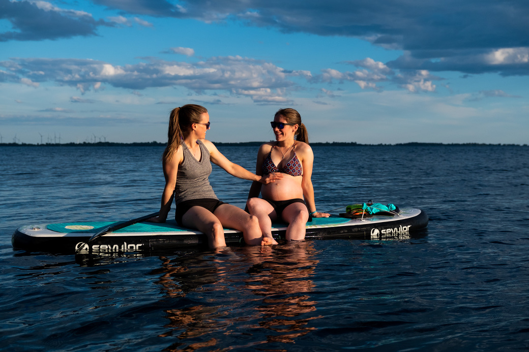 SUP_Maternity_photos_lake_sunset_ygk_kingston_rob_whelan_LGBTQ_lovewins